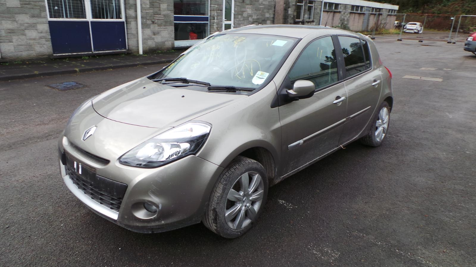 2010 renault clio 3 offside front headlight 8200851934 ebay. Black Bedroom Furniture Sets. Home Design Ideas