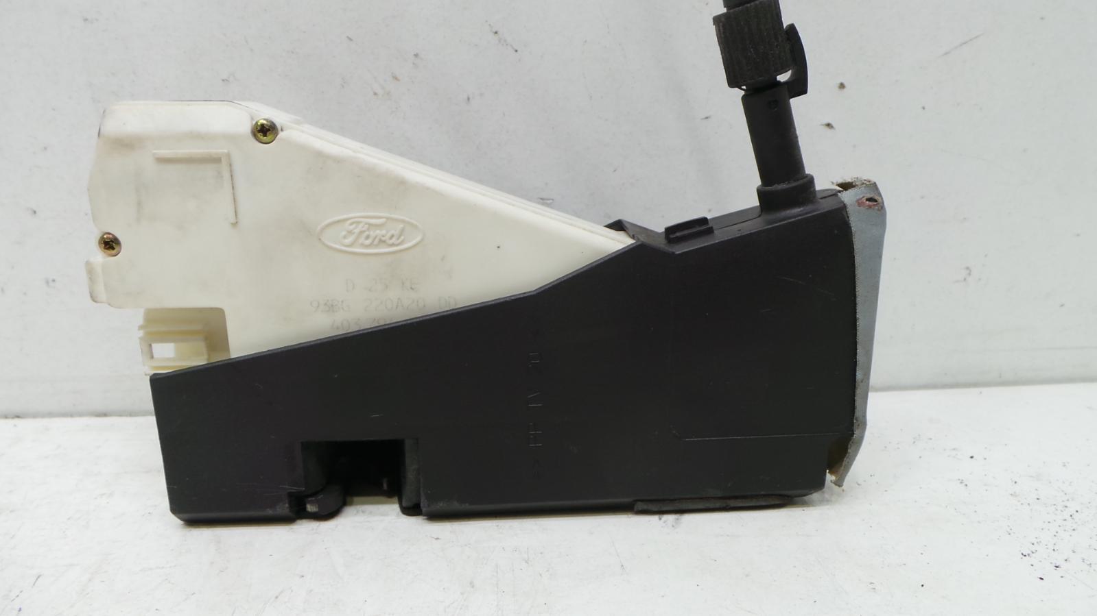 2004 Seat Alhambra Mk1 Face Lift Door Lock Mechanism 93bg